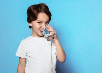 anak minum air berapa banyak