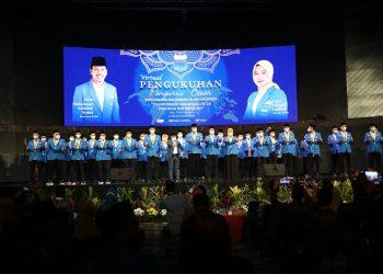 Ketua Majelis Pembina Nasional (Mabinas) PB PMII Gus Muhaimin Iskandar mengukuhkan Pengurus Besar Pergerakan Mahasiswa Islam Indonesia (PMII) masa khidmat 2021-2024